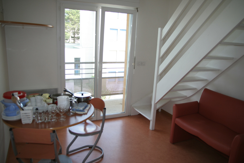 t2 duplex. Black Bedroom Furniture Sets. Home Design Ideas